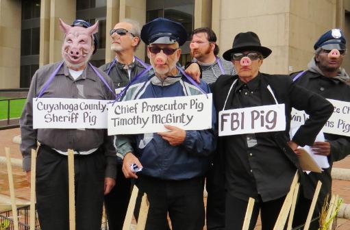 cleveland-tribunal-pigs-rnc-16-004-699px